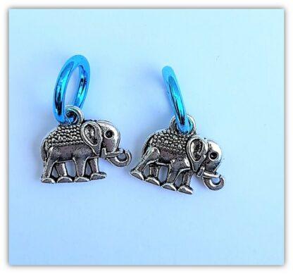 två stickmarkörer elefant med ring