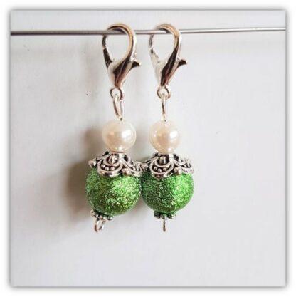 Gröna stickmarkörer med kräftkloås
