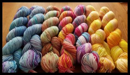 Blandade färger av garnet Merino Summer Socks